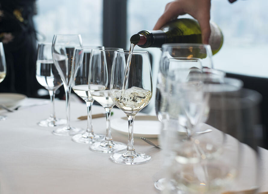 Service for a wine tasting